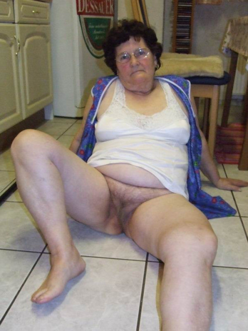 Old Mature Granny Pussy 77